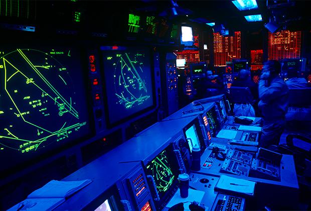 Центр управления конфликтами на авианосце ВМС США USS Harry Truman («Гарри Трумэн»)