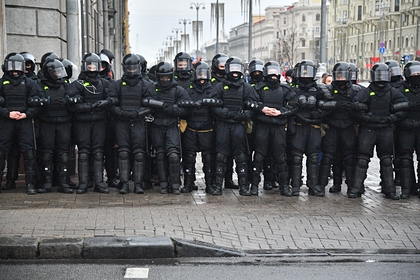 Минский ОМОН предупредил белорусов об ответе на возможные протесты весной
