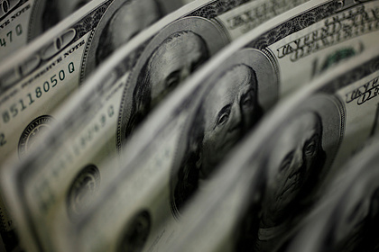 Аналитик назвал время для покупки долларов
