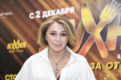 Украина признала певицу Алену Апину угрозой национальной безопасности