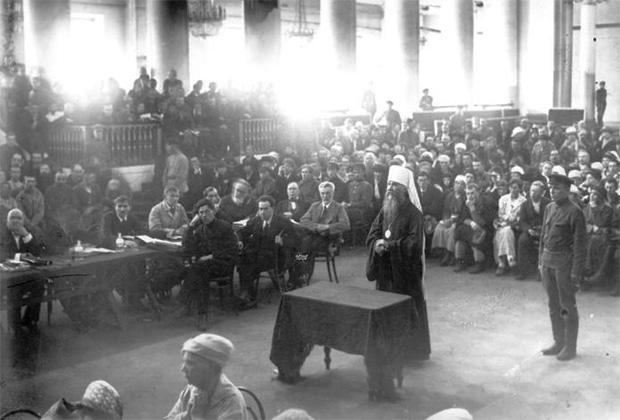Летом 1922 года по приговору Петроградского революционного трибунала митрополит Вениамин был расстрелян, а в 1992 году решением Архиерейского собора Русской православной церкви причислен к лику святых.