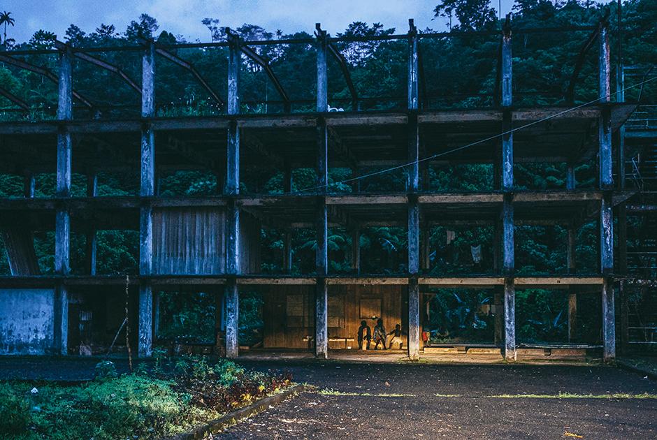 Развалины горнодобывающего предприятия на Бугенвиле