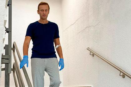 ФСИН обвинила Навального в нарушении правил условного наказания до и после комы