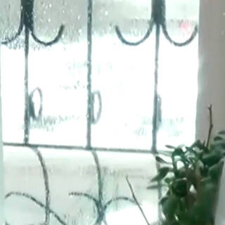 Российские коммунальщики отказались чинить трубу и превратили многоэтажку в баню