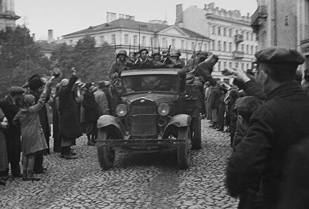 Советская армия вступает в Вильно, 3 августа 1940 года