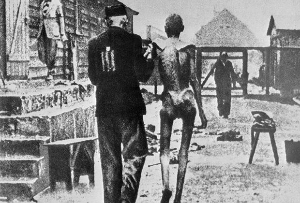 Узники фашистского концентрационного лагеря Аушвиц-Биркенау (Освенцим), 1943 год