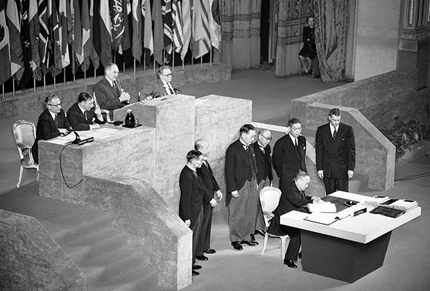 Подписание мирного договора между частью стран антигитлеровской коалиции и Японией в Сан-Франциско 8 сентября 1951 года
