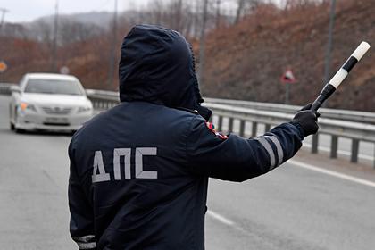 Подполковник российской полиции избил остановивших его машину гаишников