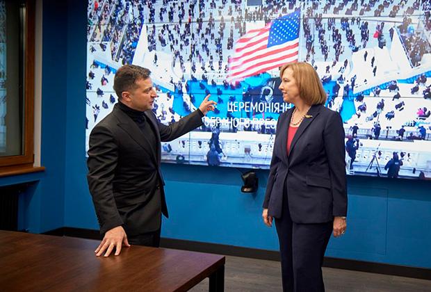 Зеленский на встрече с временной поверенной США в делах Украины Кристиной Квин