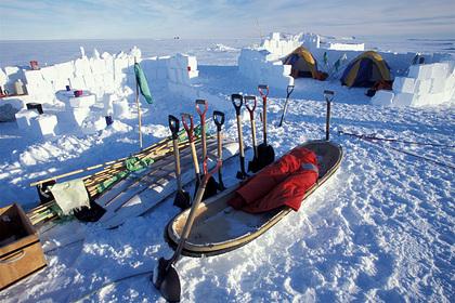 Мужчина потерял кошелек на антарктической станции и получил его 53 года спустя