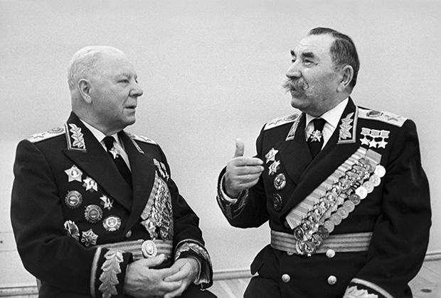 Климент Ворошилов и Семен Буденный. 1968 год