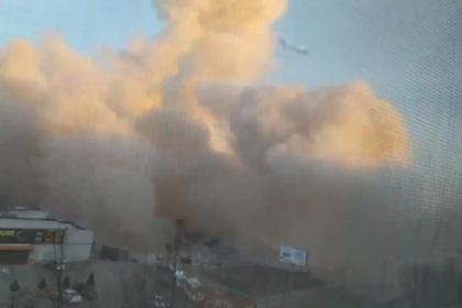 Появилось видео с места мощного взрыва в супермаркете во Владикавказе