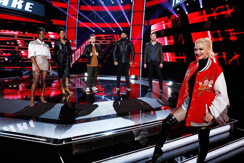THE VOICE -- Knockout Rounds -- Pictured: (l-r) Larriah Jackson, Payge Turner, Carter Rubin, Joseph Soul, Ben Allen, Gwen Stefani -- (Photo by: Trae Patton/NBC/NBCU Photo Bank via Getty Image