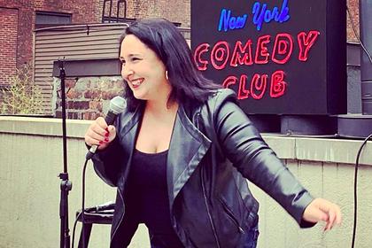 Актриса комедийного шоу раздала в баре чаевые почти на миллион рублей