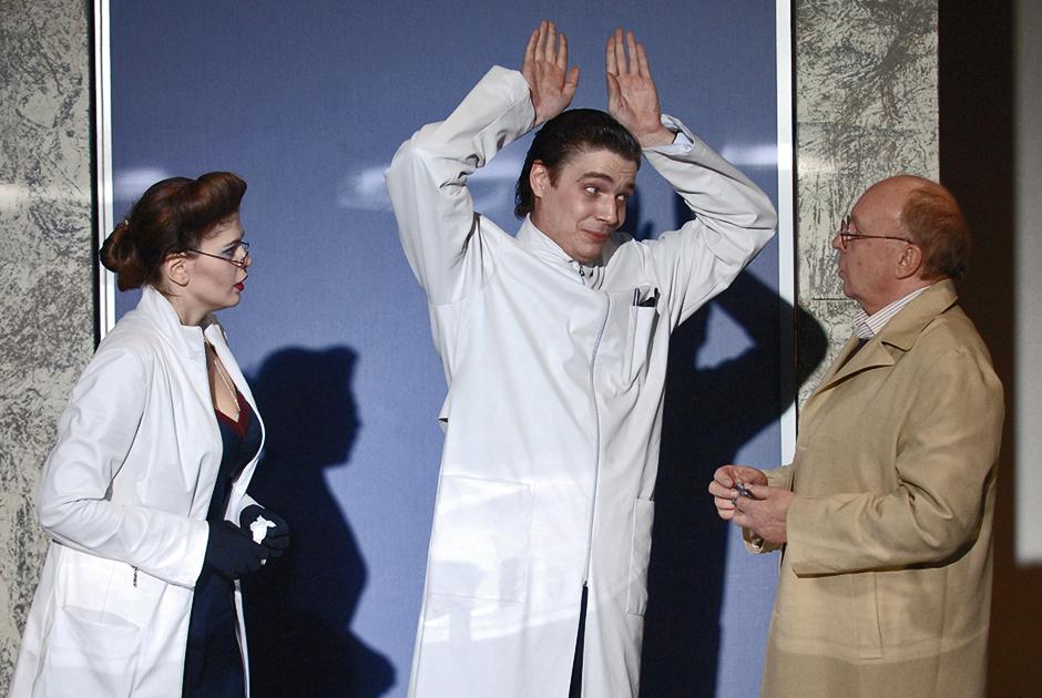 Мягков выходил на театральную сцену вплоть до 2010-х — а вот в фильмах в последние два десятилетия жизни практически не снимался: его категорически не устраивал уровень современного российского кинематографа, по мнению артиста, утратившего то лицо, которое было у советского кино.