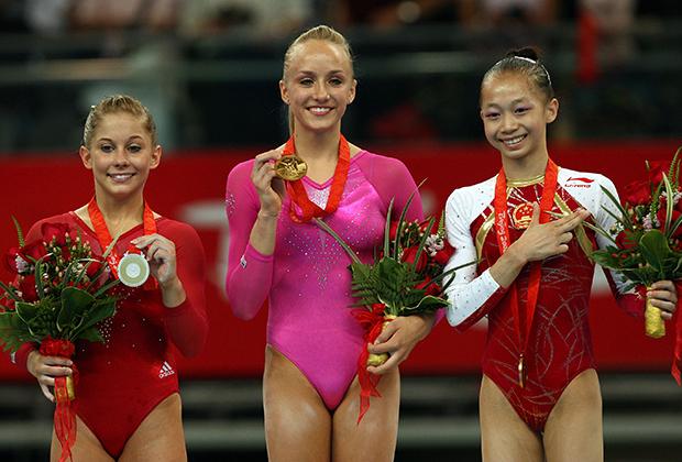 Олимпийские игры-2008. Настя Люкин (в центре)