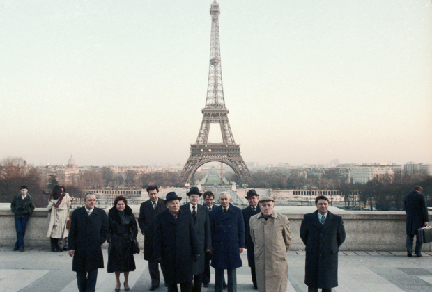 Секретарь ЦК КПСС Константин Черненко в составе делегации КПСС на XXIV съезде Французской коммунистической партии в Париже, 3 февраля 1982 года