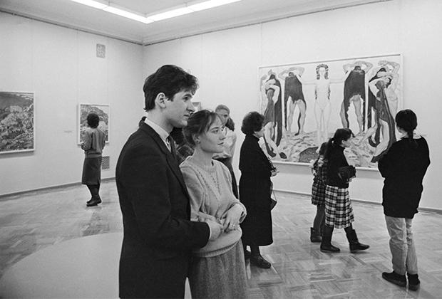10 марта 1988 года. Посетители во время осмотра выставки в Эрмитаже