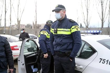 В Тбилиси начались задержания возле офиса оппозиционной партии: Закавказье: Бывший СССР: Lenta.ru