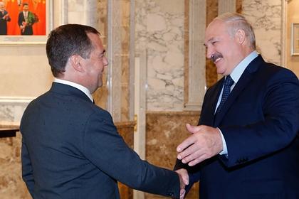 Медведев и Лукашенко пообщались по телефону: Политика: Россия: Lenta.ru