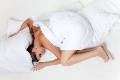 Перечислены правила сна для сохранения молодости и красоты
