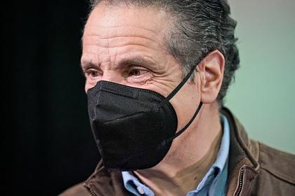 Губернатор Нью-Йорка предложил советнице сыграть в карты на раздевание