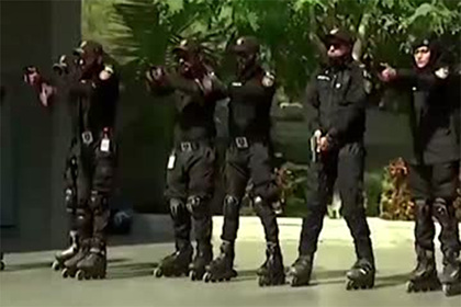 Полицейские Пакистана встали на ролики ради борьбы с преступностью