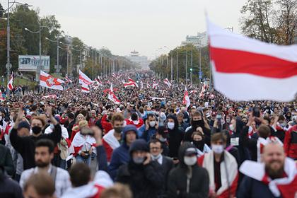 Белорусский дипломат насчитал две сотни недовольных властью на весь Минск