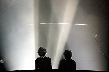 Продажи второго альбома Daft Punk подскочили на восемь тысяч процентов