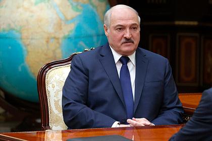 Лукашенко заявил о не жалеющих денег спонсорах белорусской революции