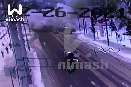 Момент взрыва в кафе в Нижнем Новгороде попал на видео