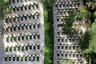 """На <a href=""""https://ru.wikipedia.org/wiki/Гора_Герцля"""" target=""""_blank"""">горе Герцля</a> в Иерусалиме (Израиль) находится главное гражданское кладбище страны, где хоронят политических лидеров, идеологов сионизма и национальных героев. Также здесь покоятся израильские солдаты, погибшие на войне. По соседству расположены армейское и полицейское кладбища, где хоронят тех, кто был убит при исполнении служебных обязанностей.<br><br>Все военные, вне зависимости от званий и рангов, похоронены плечом к плечу. Примечательно, что это кладбище — не просто бесконечные ряды, но и общественное пространство, где можно погулять или собраться и помянуть боевых товарищей. На горе есть несколько музеев, образовательный центр, мемориальный сад и смотровые площадки с видом на город."""