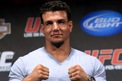 Бывший чемпион UFC подерется с экс-чемпионом мира по боксу