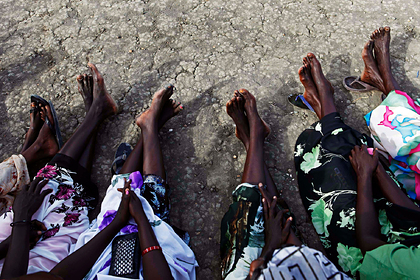 Неизвестные боевики напали на школу и похитили 300 девочек
