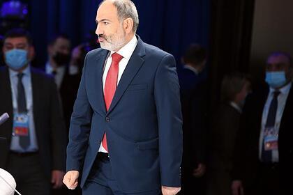 Пашинян снова потребует отставки главы Генштаба Армении