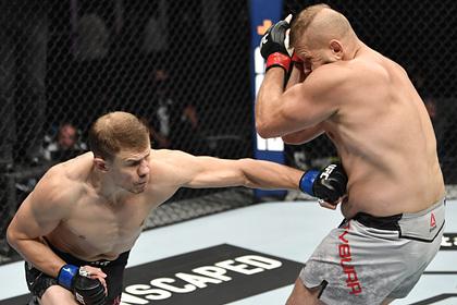 Россиянин из UFC дважды отправил оппонента в нокдаун и проиграл решением