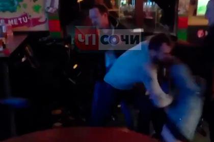 Туристы из Москвы устроили массовую драку в Сочи и возмутили местных жителей