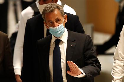 Саркози приговорили к реальному тюремному сроку