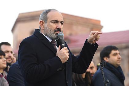 Пашинян обвинил бывшие власти Армении в попытке свергнуть его