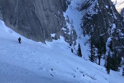 Спуск лыжников по «плитам смерти» попал на видео