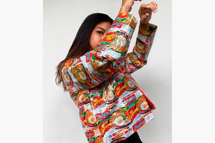 Девушка создала одежду из фантиков и прославилась в сети: Стиль: Ценности:  Lenta.ru