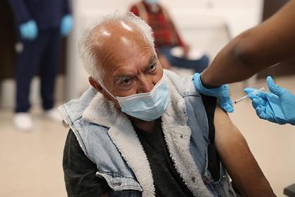 В США раскрыли опасность прививок одной дозой