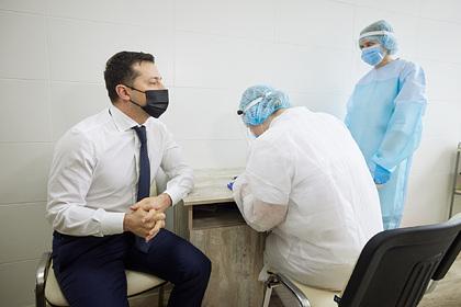 Зеленский объяснил свое желание вакцинироваться после перенесенного COVID-19