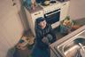 Проект Александро Рампаццо (Alessandro Rampazzo) — это фоторепортаж о жительнице Финляндии Ните (Nita), которая одна воспитывает двух детей. Пару лет назад женщина решилась расстаться со своим жестоким возлюбленным: почти четыре года она терпела от него побои. <br> <br> «Часто мы забываем, что физическое насилие — это лишь малая часть, и что последствия оскорбительных и жестоких отношений — это нечто большее, чем просто синяки на коже», — пояснил свою идею Рампаццо. Он добавил, что проект завершится в 2021 году, когда состоится последнее судебное разбирательство по делу о насилии, которому подверглась Нита.
