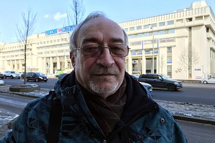 Создатель «Новичка» заявил о «запиханных в Навального» по пути в Германию веществах