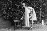В 1935 году 14-летний Филипп приехал в Шотландию, чтобы учиться в Гордонстоуне — школе-интернате для мальчиков, где превыше всего ценили хорошую физическую подготовку и сурово наказывали за малейшие проступки. Как ни странно, именно в такой обстановке принц чувствовал себя как рыба в воде. Вскоре он стал префектом и капитаном двух школьных команд: хоккейной и крикетной. А в 1939 году началась Вторая мировая война. Филипп служил в Королевском военно-морском флоте Великобритании и сражался на стороне союзников. Тем временем его сестры вышли замуж за немцев со связями в НСДАП и оказались на стороне врага.