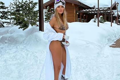 Известная российская певица поделилась фото в купальнике с горного курорта Сочи