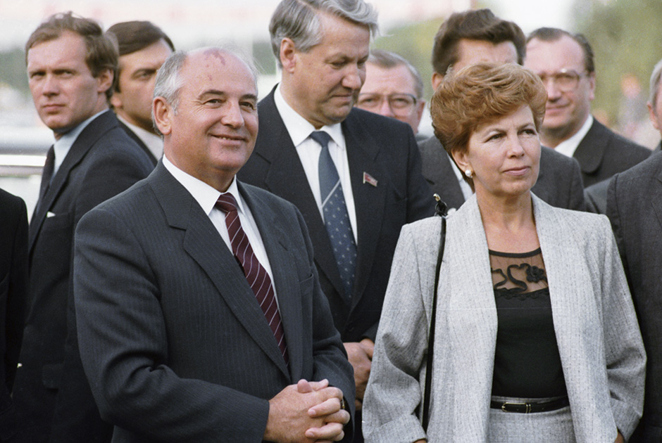 Михаил Горбачев, Борис Ельцин и Раиса Горбачева, 1985 год