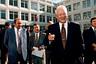 Борис Ельцин после голосования на избирательном участке, 1996 г.