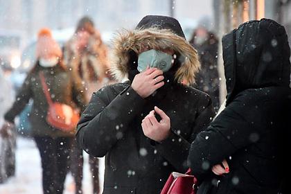 Российские инфекционисты оценили заразность переболевших коронавирусом людей